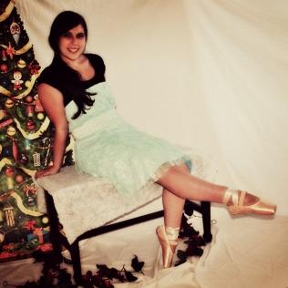 Gift of Joy Christmas Photo Shoot